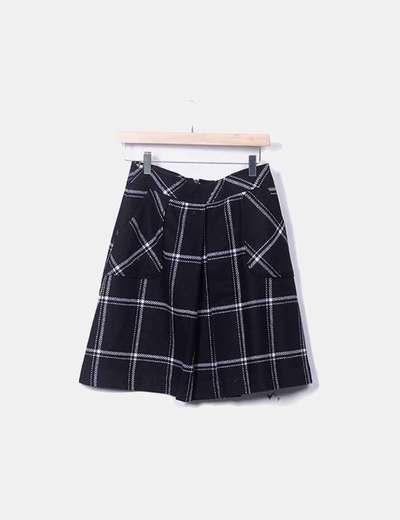 Falda negra cuadros