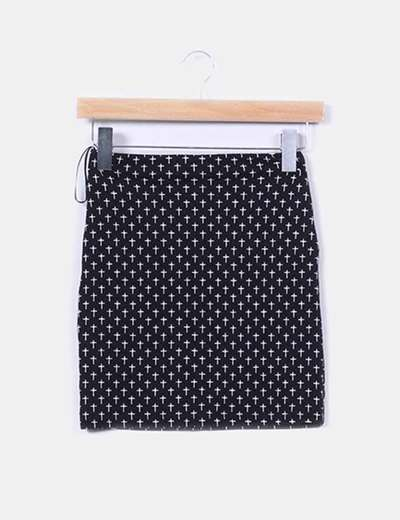 Falda elástica negra print cruces Pull&Bear