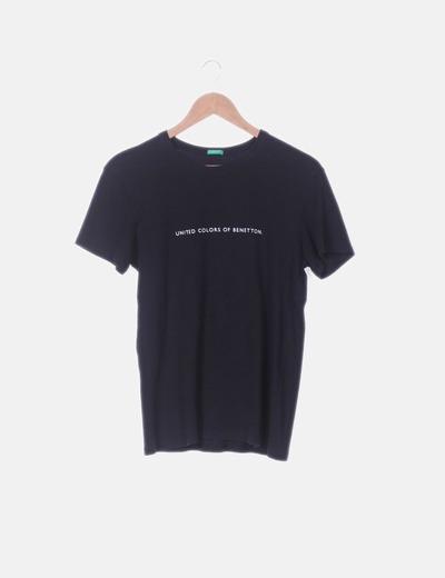 Camiseta negra print letras