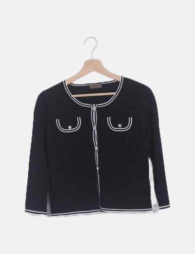 Chaqueta trico negra ribete blanco