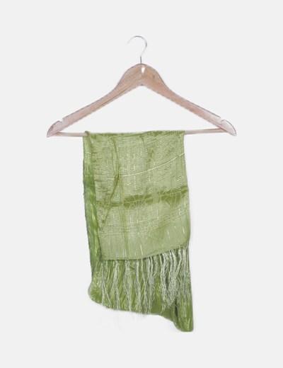 Pañuelo verde satinado desflecado