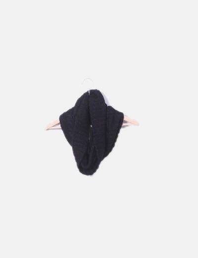 Cuello punto negro NoName