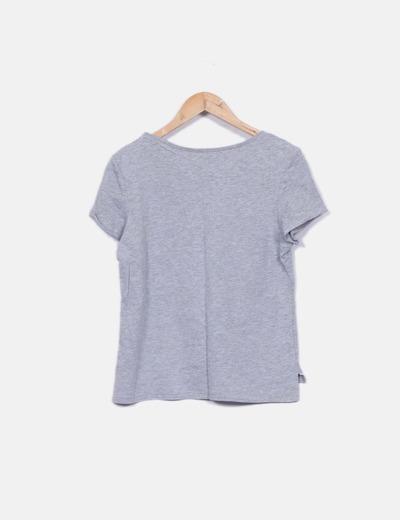 Camiseta gris de manga corta con dibujo