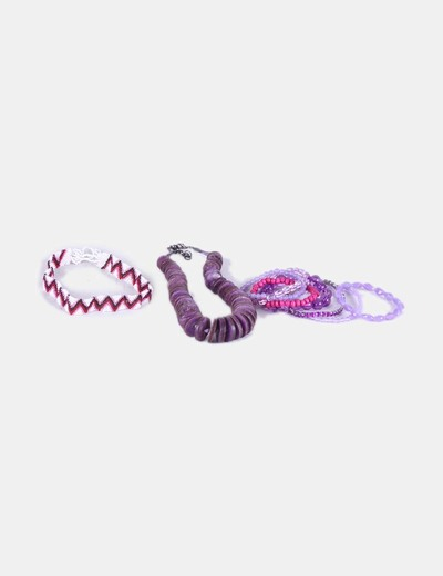 Conjunto de pulseras y collares  NoName