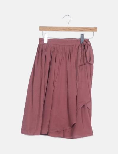 Falda cruzada plisada rosa