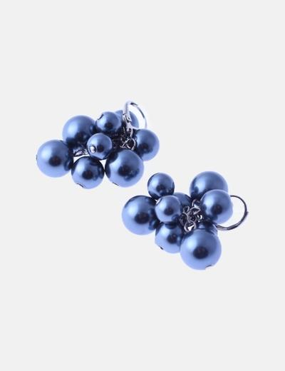Pendiente gris de perlas