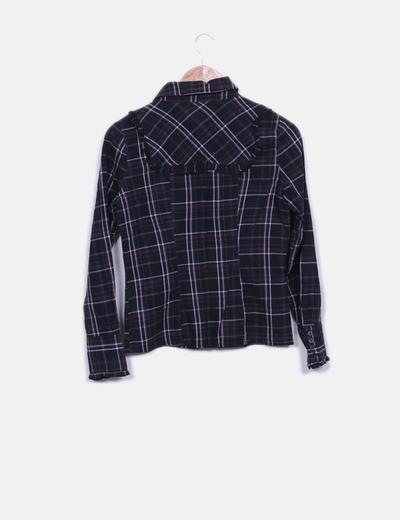 Camisa negra de cuadros