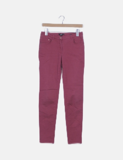 Pantalón pitillo denim granate