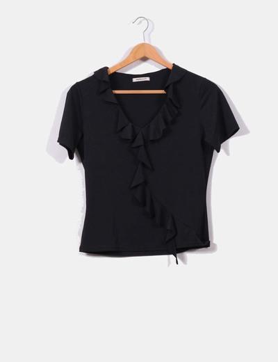 Blusa negra con volantes NoName