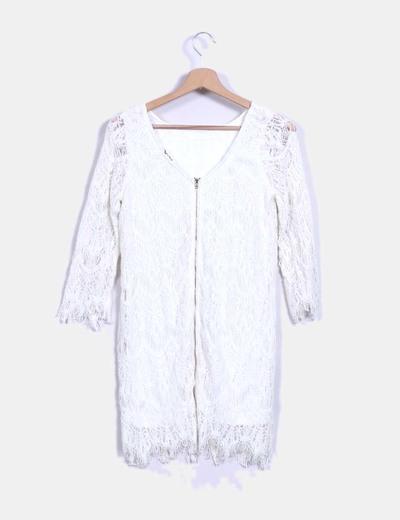 Vestido blanco de encaje manga francesa