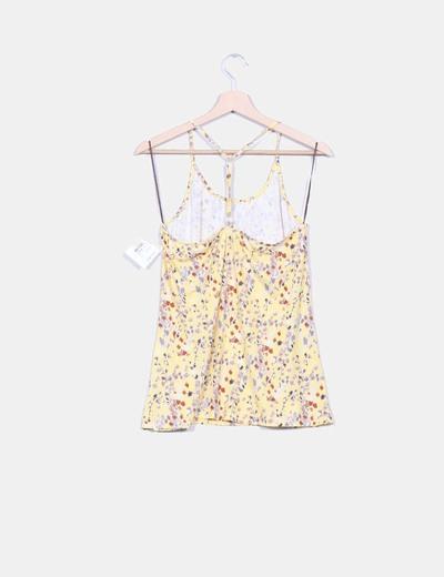 Camiseta amarilla floral
