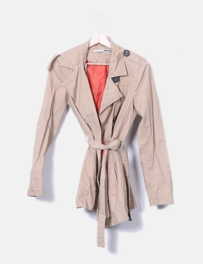 Trench beige doble botonadura