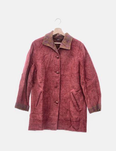 Abrigo rojo jaspeado abotonado