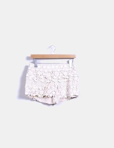 Short nude combinado con crochet Zara