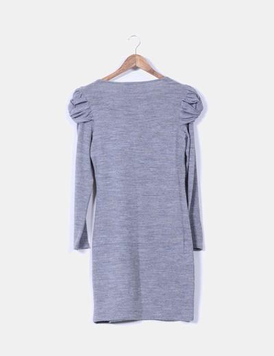 Vestido gris hombros abullonados