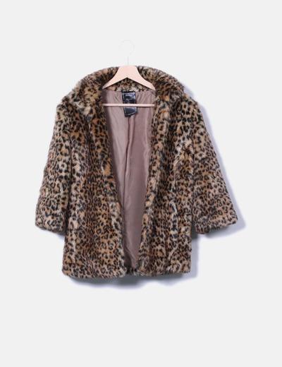 Manteau de fourrure synthétique imprimé animal Bershka