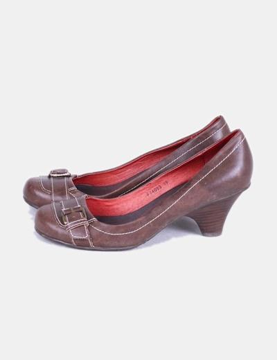 Zapato de tacón marrón con punta redondeada miMaO