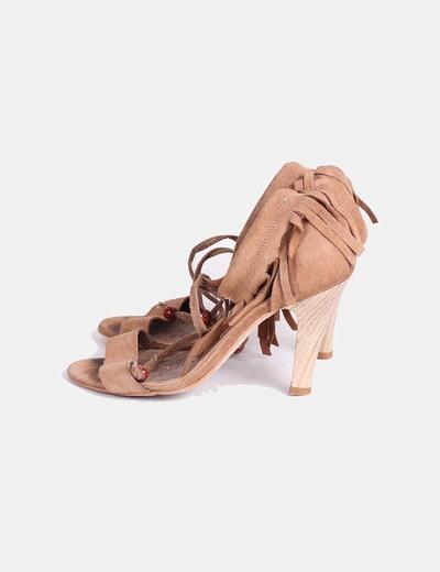 Sandalias con flecos camel Mustang