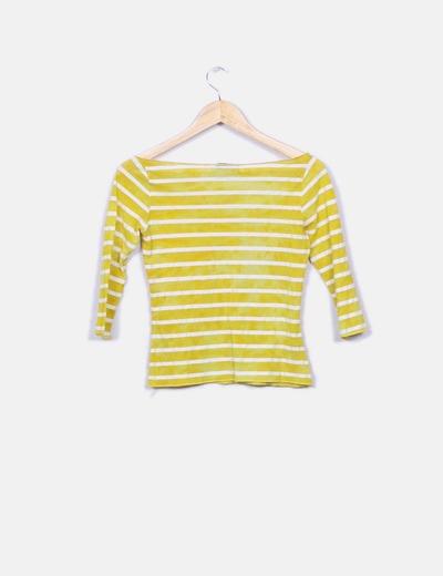 Camiseta de rayas amarilla combinada