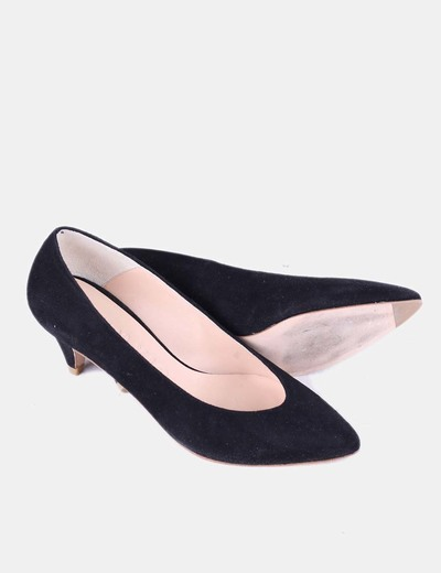 Zapato negro de punta redonda