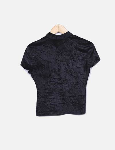 Blusa de terciopelo negro