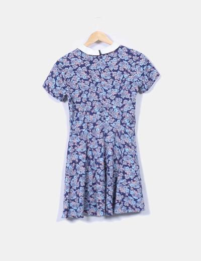 Vestido azul floral con solapas