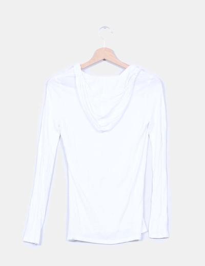 Jersey blanco con detalle capucha