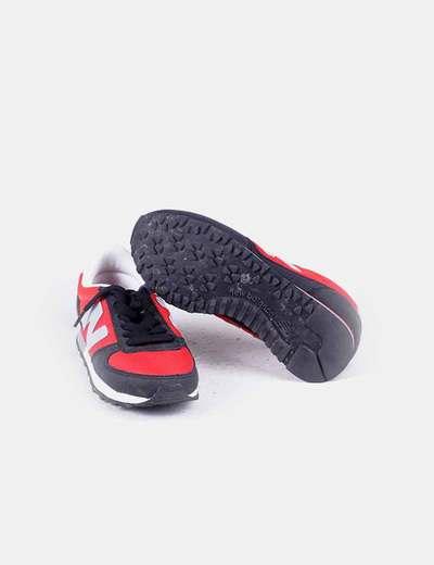 Zapatilla deportiva roja
