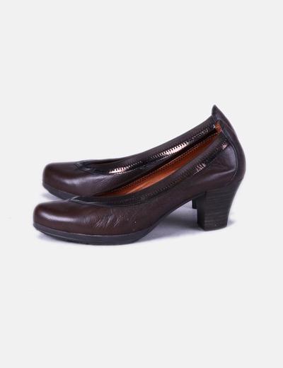 Zapaton de tacón marrón Hispanitas