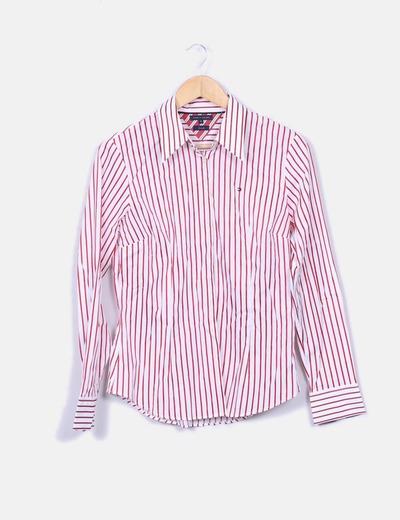 Camisa branca com riscas vermelhas Tommy Hilfiger