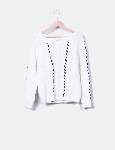 Jersey de punto blanco con detalle  en negro Suiteblanco