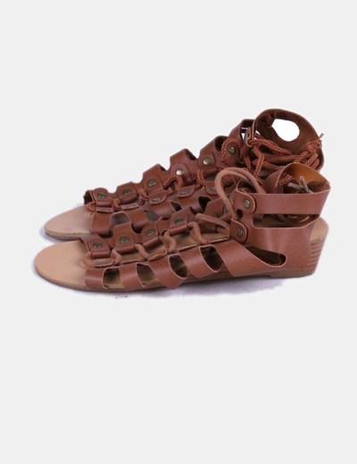 Sandalia romana marrón con cuña mini Forever 21