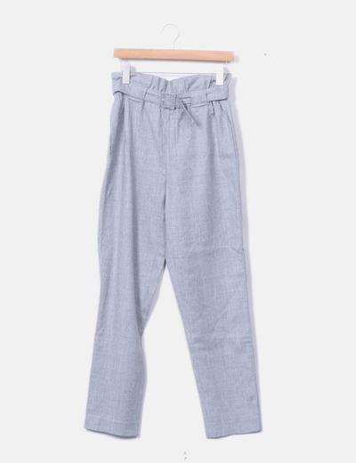 Pantalón fluido gris con cinturón