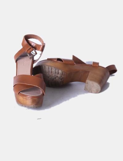 97dca2dafea Stradivarius Sandalia marrón de tacón ancho (descuento 69%) - Micolet