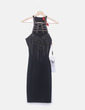 Vestido ceñido negro escote abalorios Red carpet