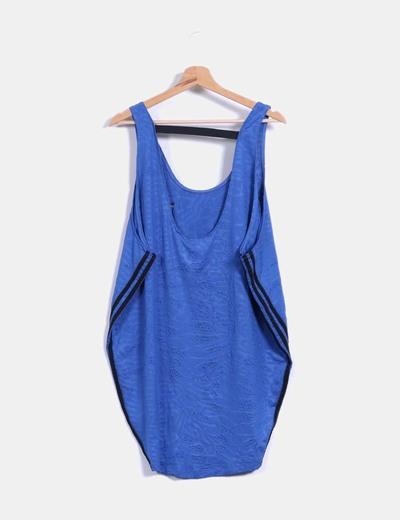 Vestido deportivo oversize azul texturizado