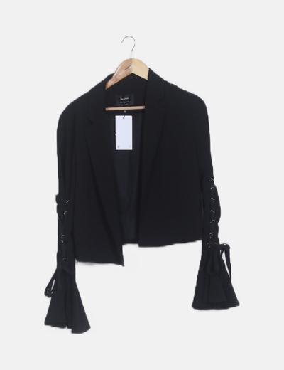 Blazer negra mangas campana lace up