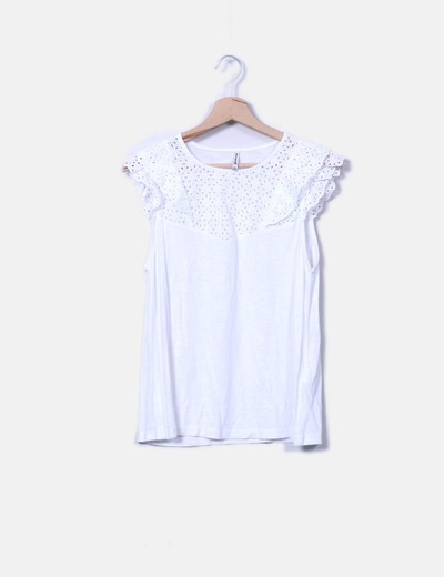 Camiseta escote crochet
