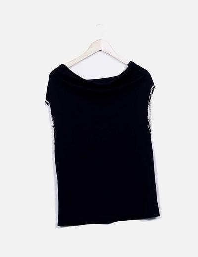 Camiseta negra mangas cadena NoName