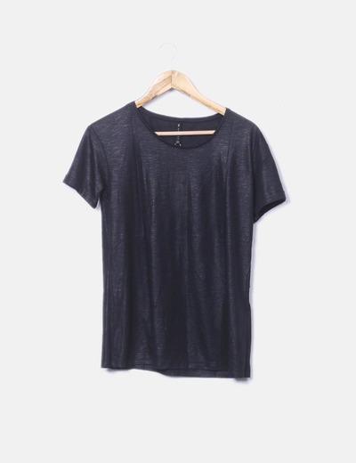Camiseta negra irisada Stradivarius