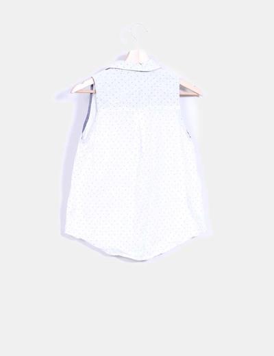 Blusa blanca de lunares sin mangas