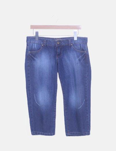 Jeans pirata desgastado