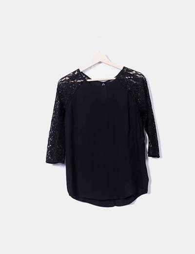 Blusa negra combinada Forever 21