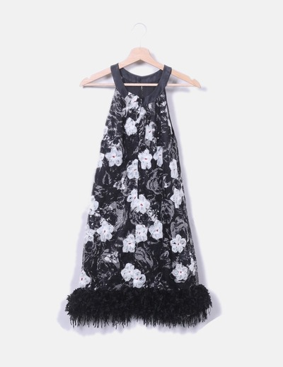 Vestido texturizado negro con strass