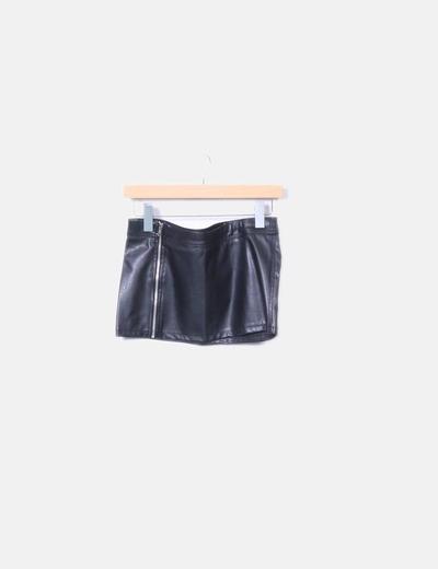 Mini falda polipiel con cremallera