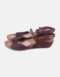 Sandalia marrón con cuña Takeme