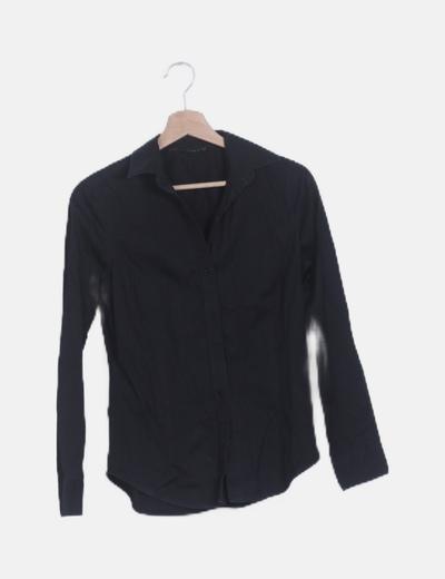 Camisa entallada negra