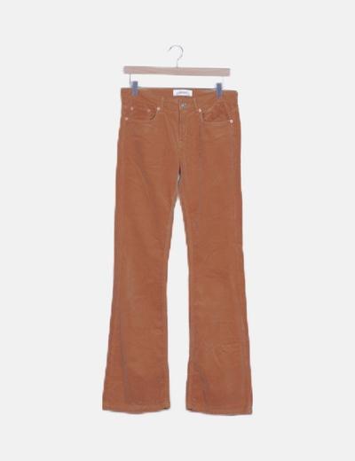 Pantalón de pana marrón campana