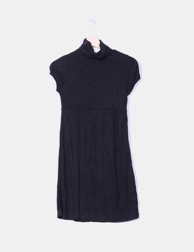 Vestido básic negro manga corta Bershka