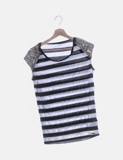 Camiseta de rayas detalle hombros